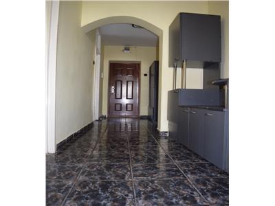 Apartament 4 camere Alexandcu Cel Bun Piata