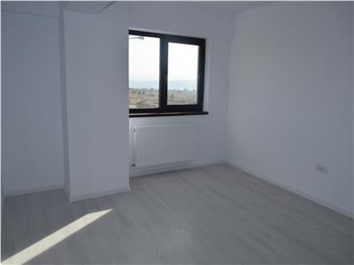Apartament 3 camere Popas Pacurari - la strada - mutare imediata