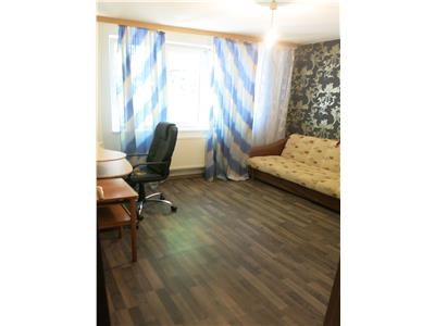 Apartament, 3 camere, decomandat in Alexandru cel Bun