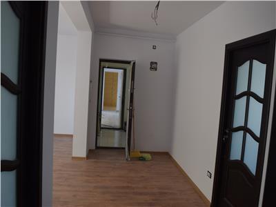 Apartament 3 camere decomandat 70mp
