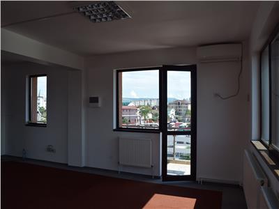 Spatiu birouri etaj de cladire+ mansarda + 2 terase circulare