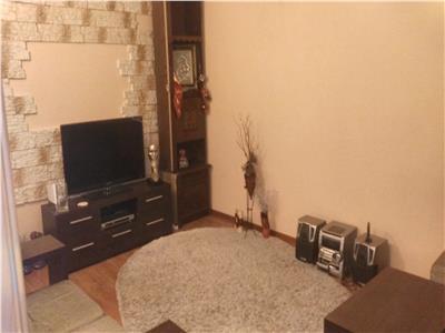 Nicolina apartament 3 camere decomandat