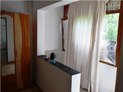 Apartament 3 camere semicentral - PALAS