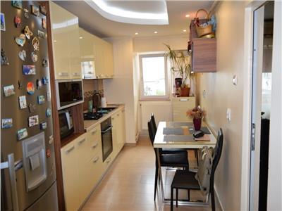 Apartament trei camere Nicolina 86000 euro