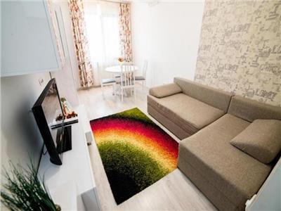 Apartament 3 camere Palas bloc NOU 500 euro