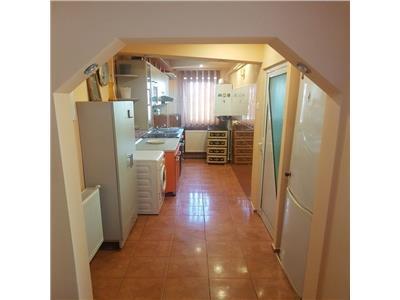 Apartament 2 camere, Mircea cel Batran, 300 Euro