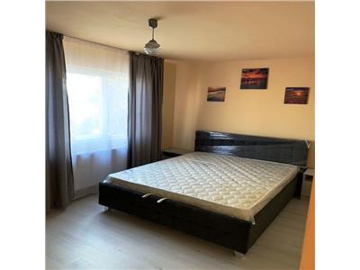 Apartament 3 camere, Podul de Piatra, 400 Euro