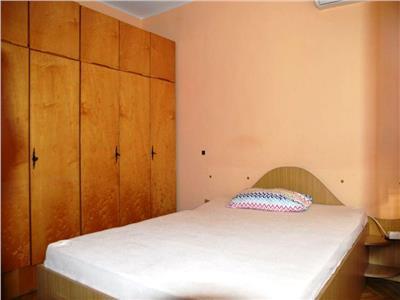 Apartament 2 camere, Centru, 320 euro