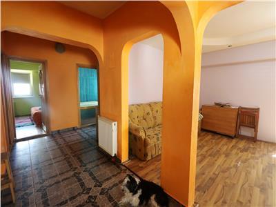 Apartament 3 camere Cug bulevard, etaj intermediar,70000euro