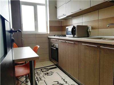 Apartament 2 camere decomandat-UMF