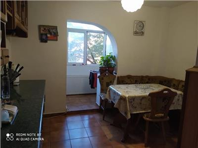 Apartament cu 3 camere decomandat, etaj 2, Canta Pacurari, 72mp