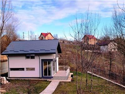 Vila 4 camere 600 mp teren  zona Miroslava
