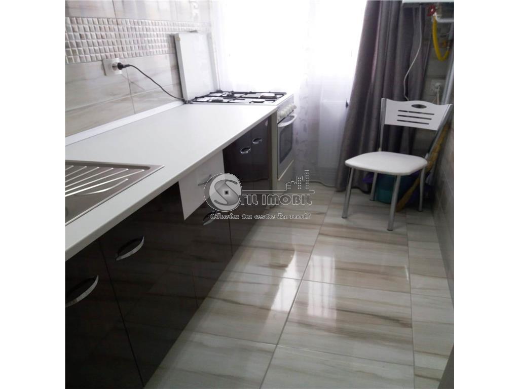 Apartament 3 camere Alexandru cel Bun 350 euro