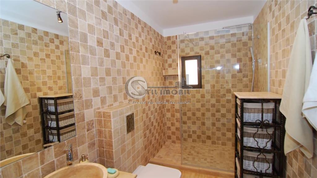 Apartament cu 3 camere, la etajul 3 din 3, Rediu, Rond Pacurari