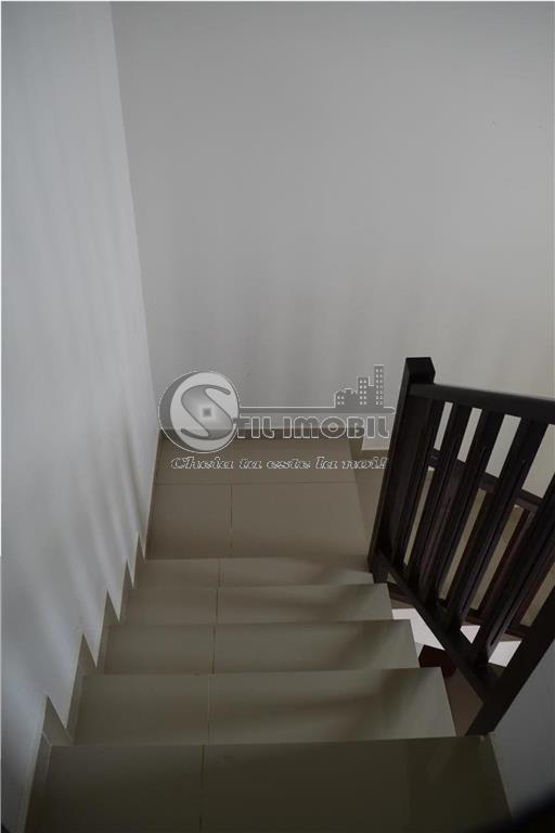 CASA INDIVIDUALA 5 CAMERE , 550mp curte HORPAZ