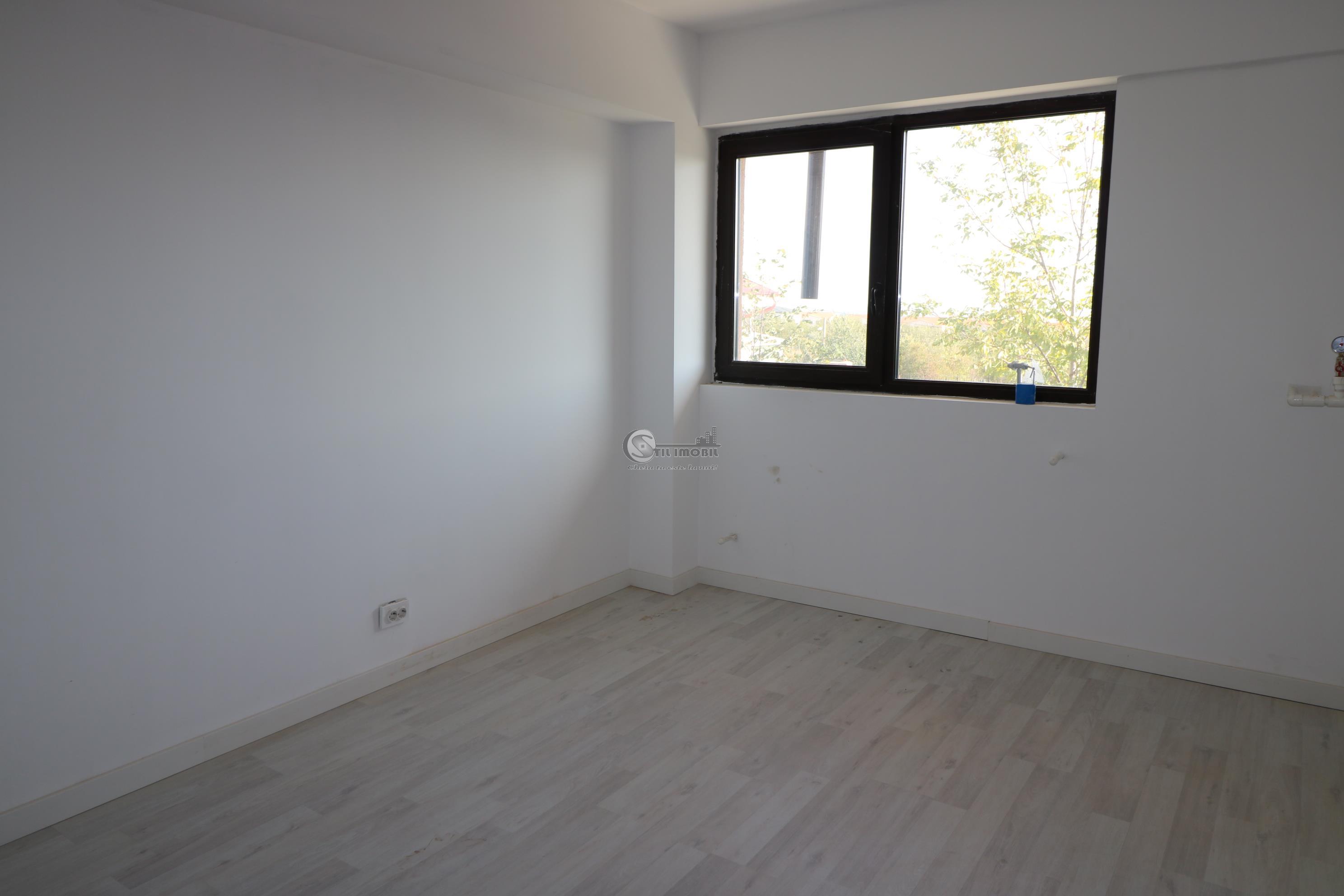 MUTARE IMEDIATA, Apartament  2 cam 42 000 Platou Galata