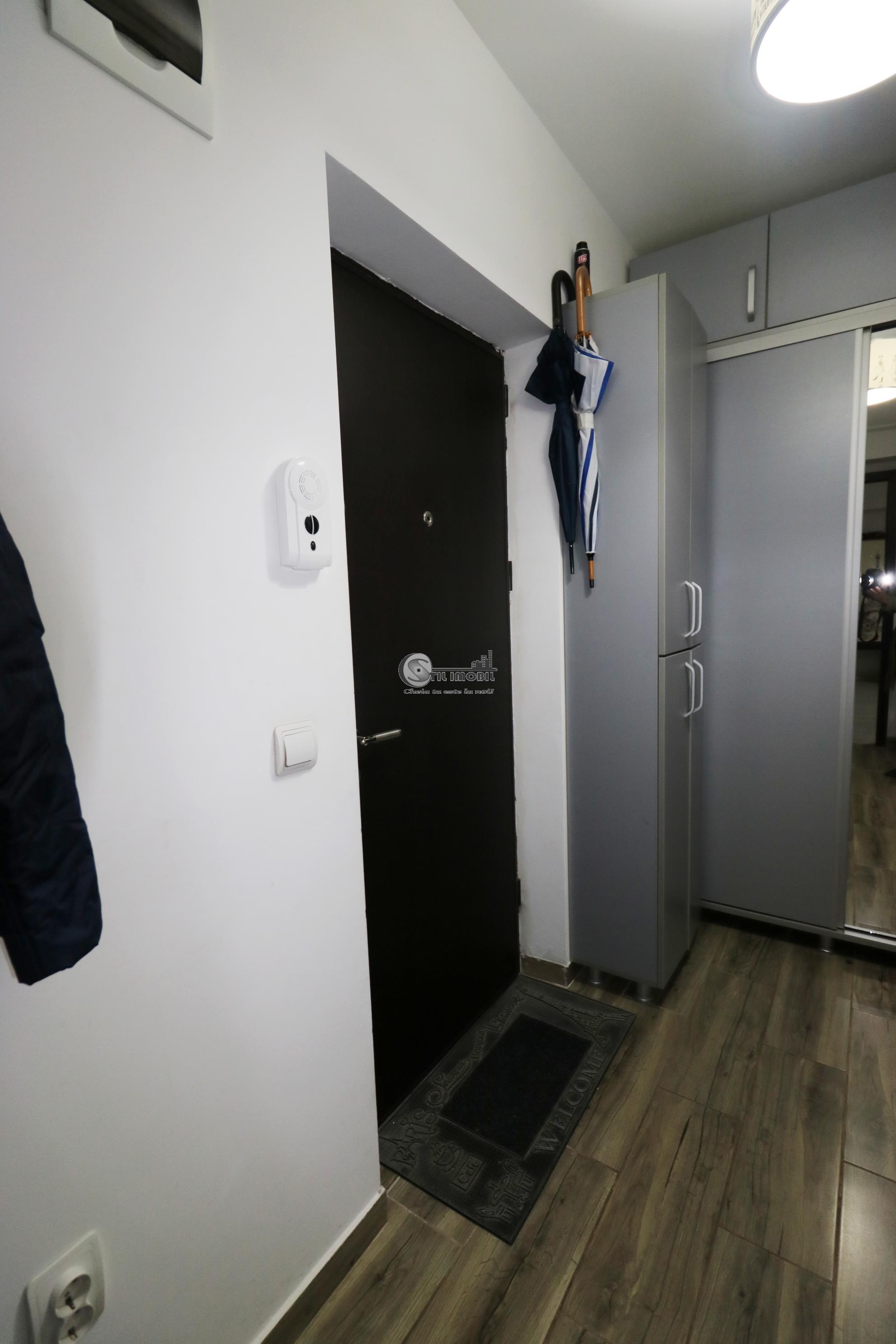 1 CAMERA CUG  NOU MOBILAT UTILAT 260 euro