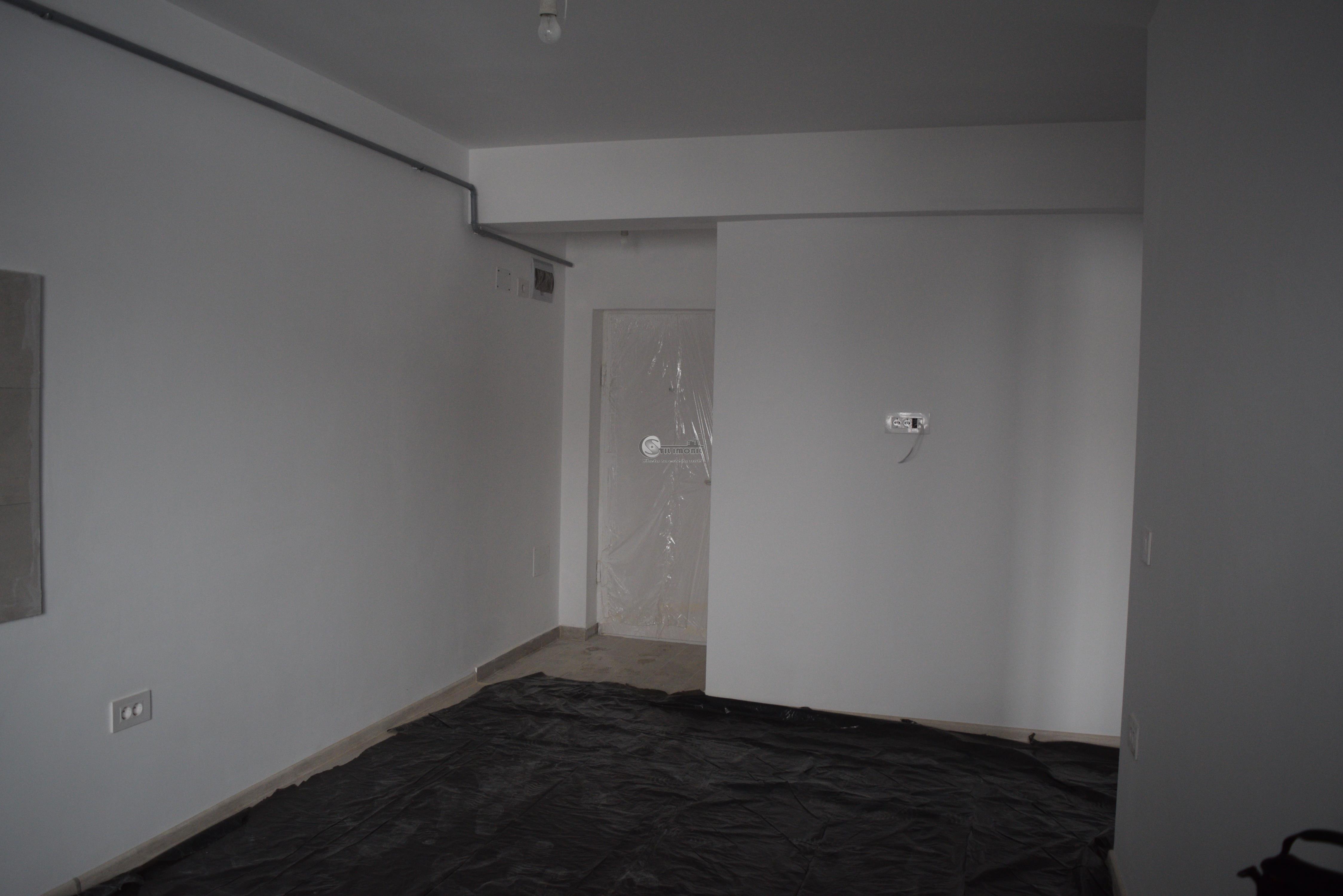 Apartament 2 camere - open-space - mutare imediata - 42mp