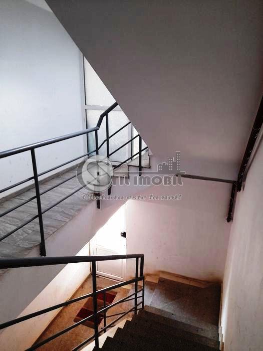 Apartament 1 camera decomandat, mobilat, Bucium-Visan, 30 300 euro