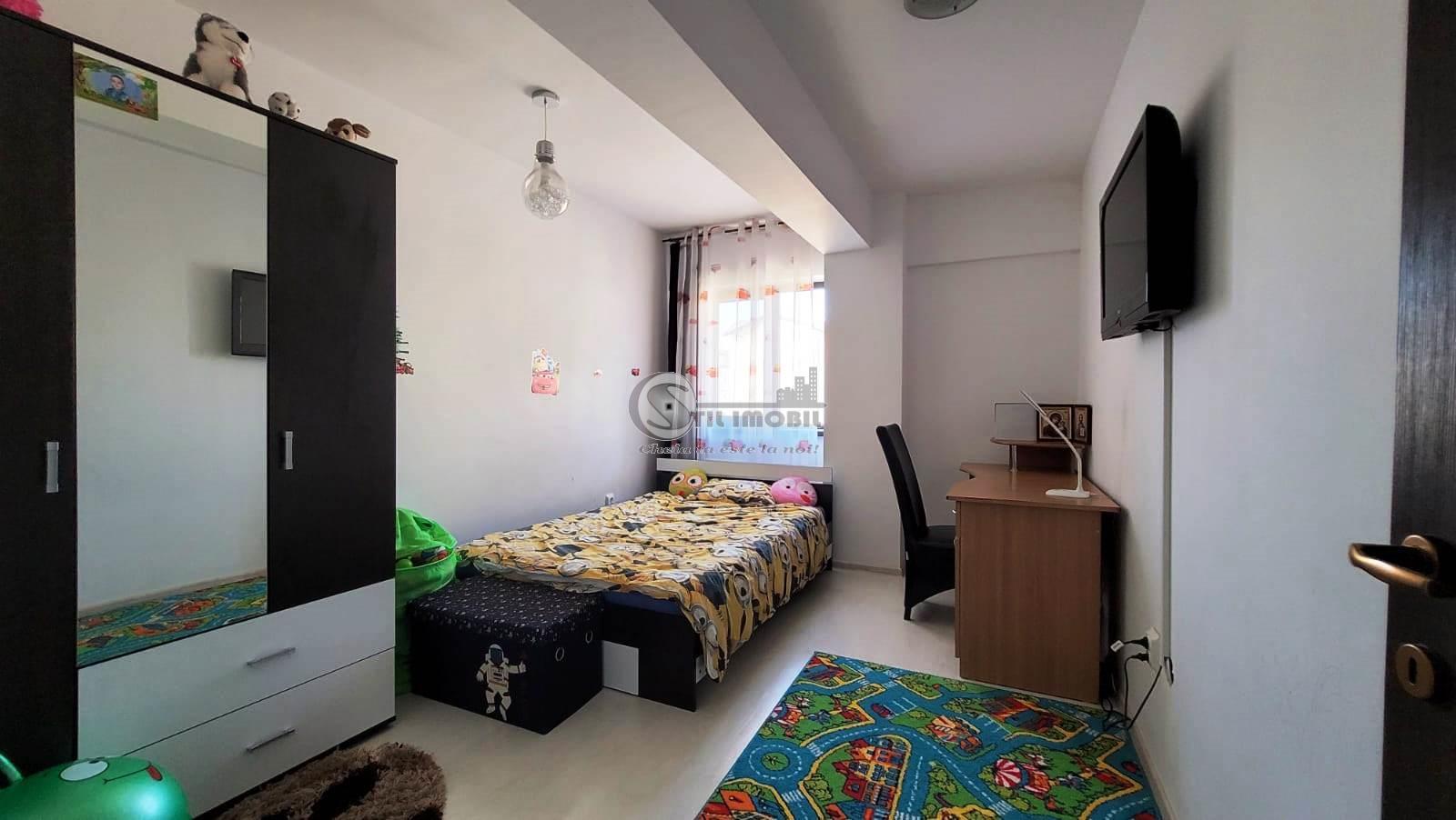 Apartament 3 camere decomandat mobilat