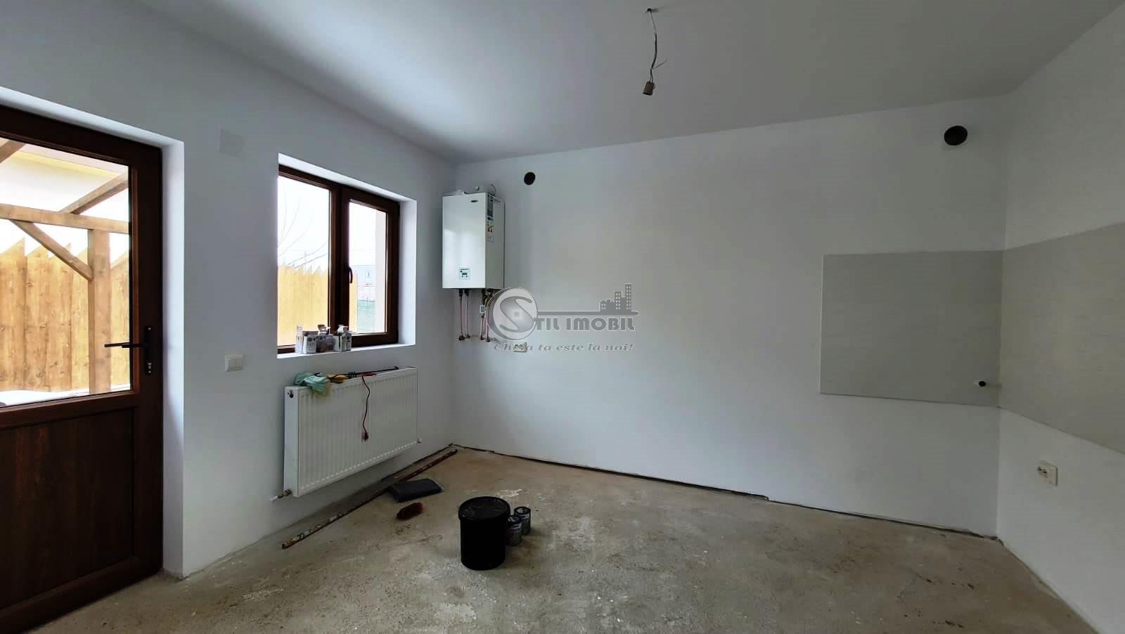Casa 4 camere 2 bai plan parter zona Miroslava