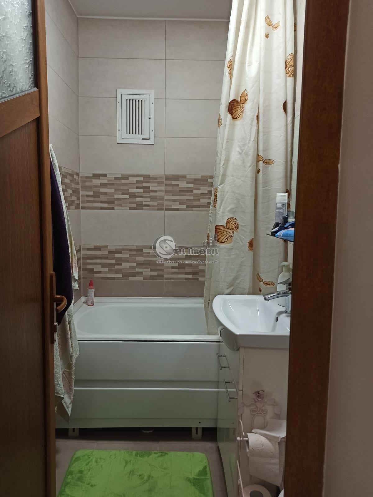Apartament cu 3 camere, 71mp, Baza 3, 83000 euro