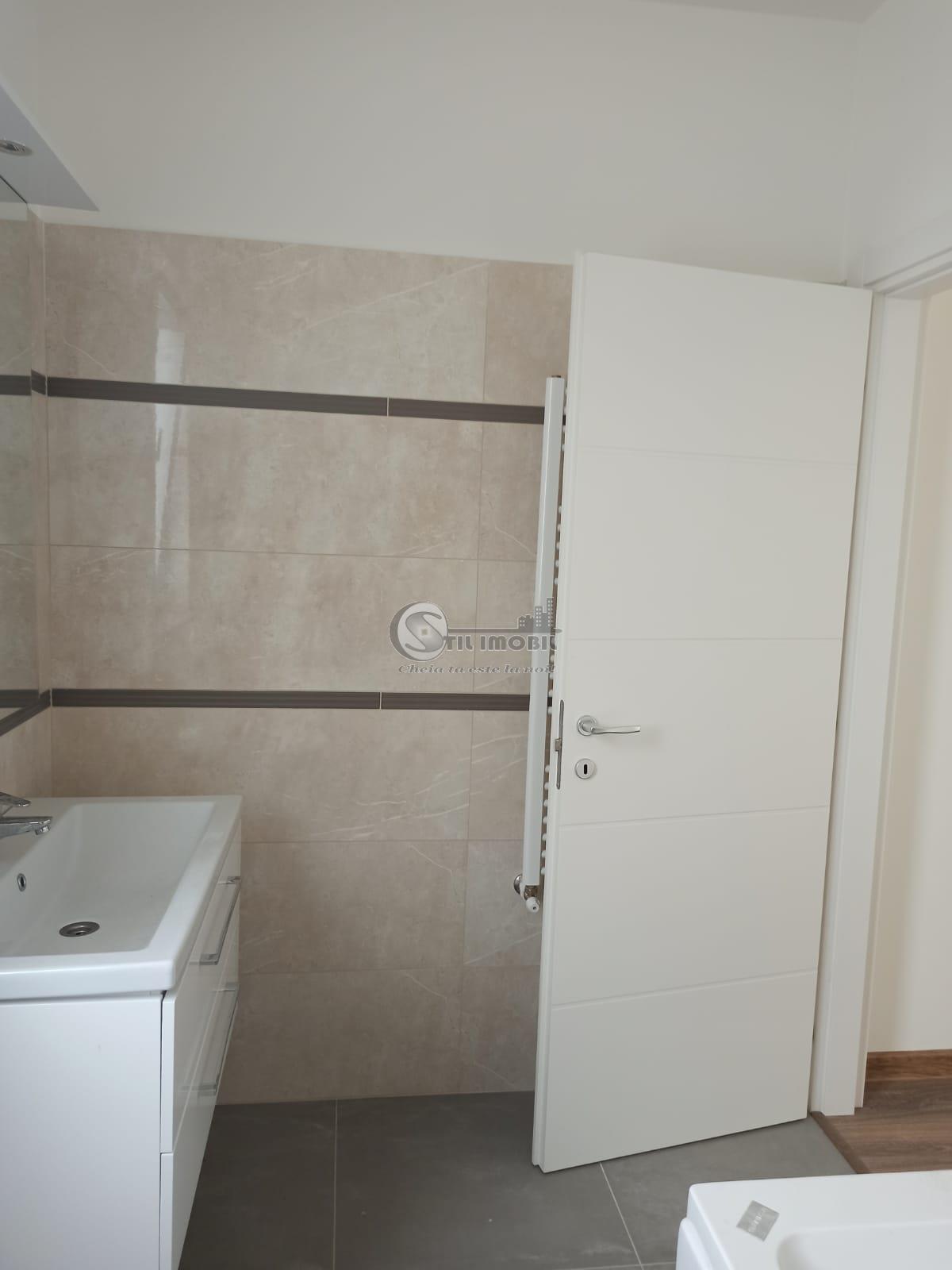 Apartament cu 2 camere 105 mp, Nicolina Cug, 85000 euro negociabil