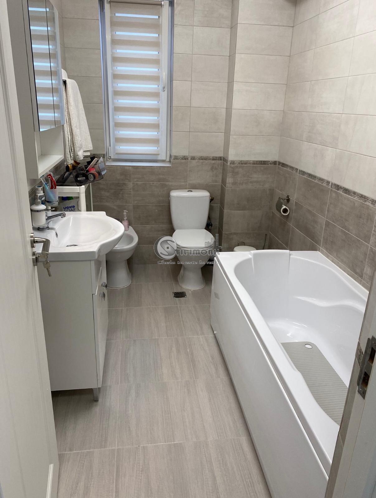 Apartament 2 camere, Nicolina -Galata , cu garaj , lux