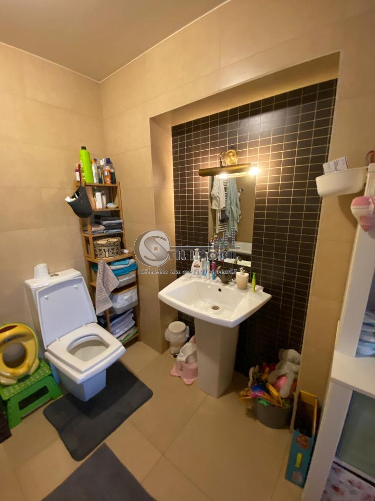 Apartament 3 camere - decomandat - 100mp - LUX!!