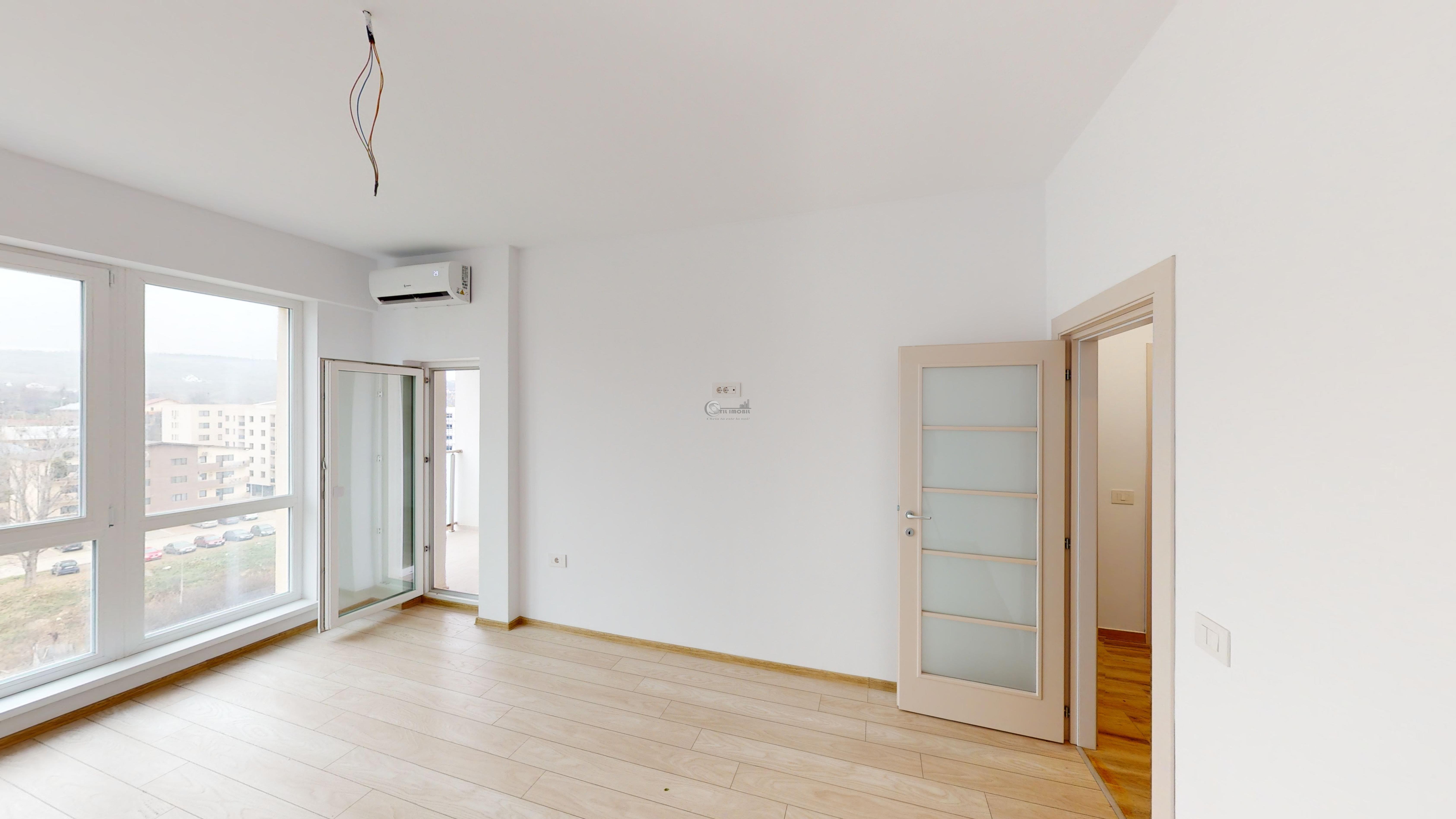 Apartament o camera, decomandat, 38 mp, Bucium, 50.000 euro