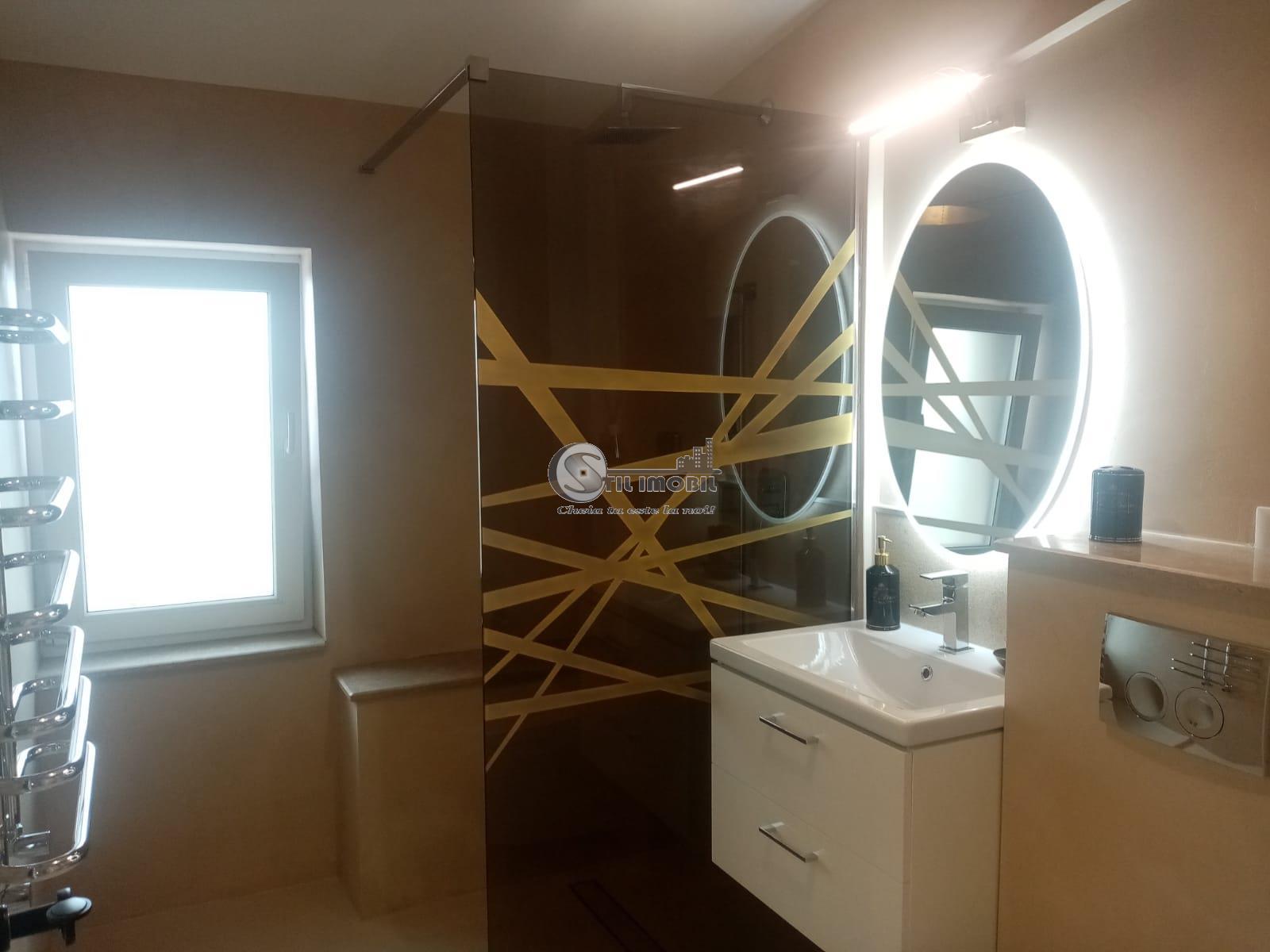 Penthouse 1 camera mobilat utilat, Popas Pacurari
