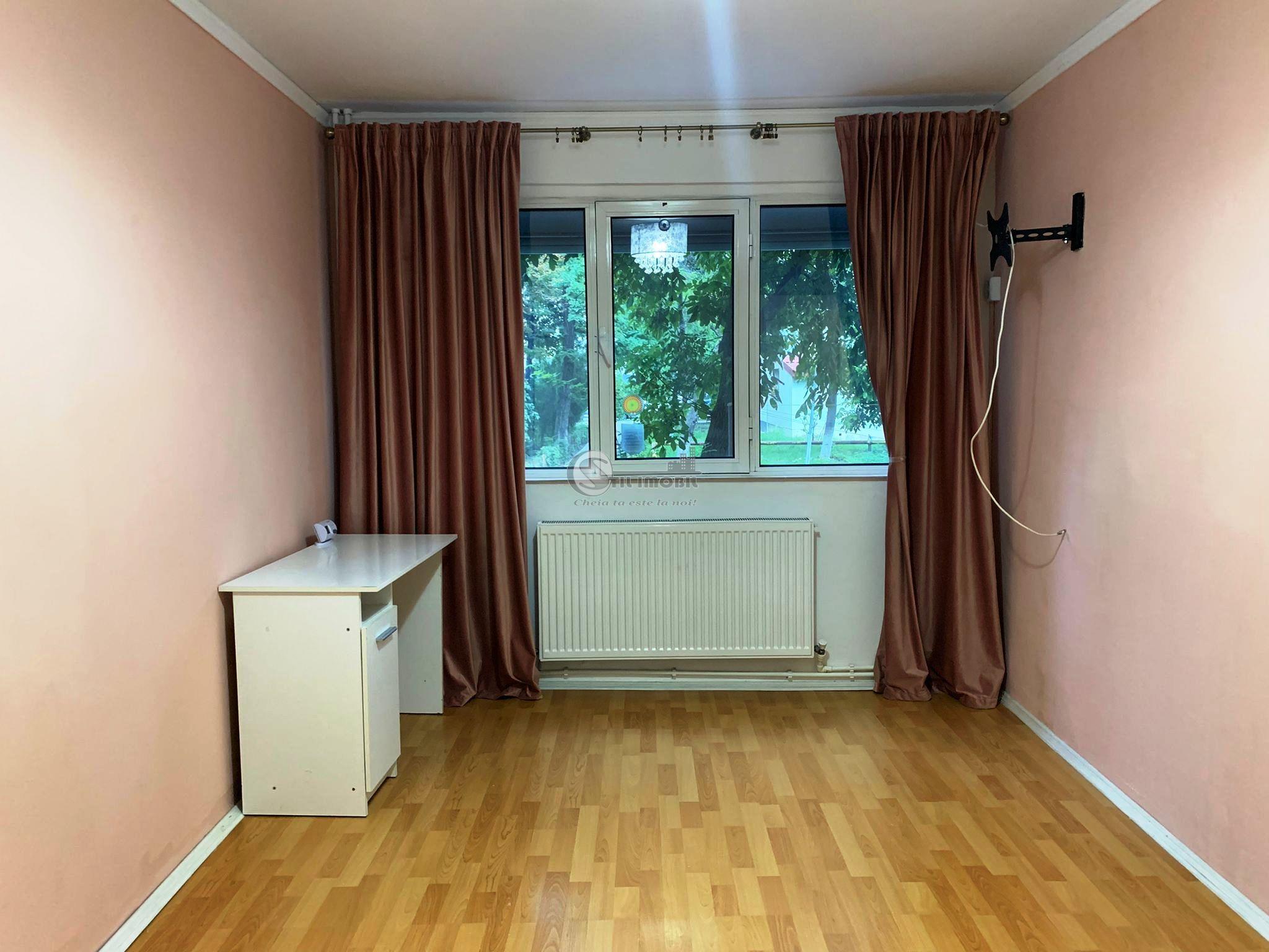 Apartament 2 camere semimobilat,Podu Ros-Socola,renovat