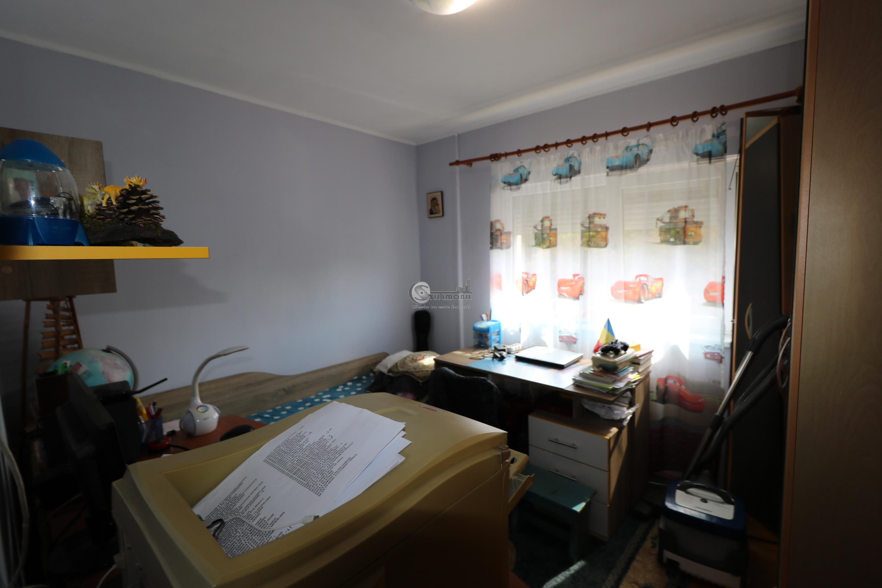 Apartament 4 camere,82mp CUG, et3