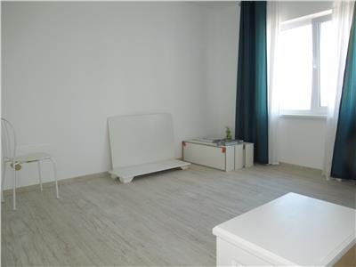 Apartament 3 camere decomandate 76mp