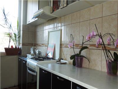 Apartament 3 camere decomandat Alexandru Cel Bun