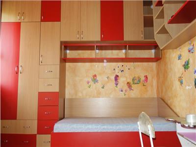 Apartament 3 camere Podul de Piatra
