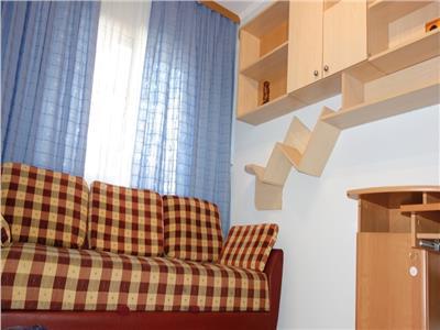 Apartament 3 camere semidecomandat Podu Ros