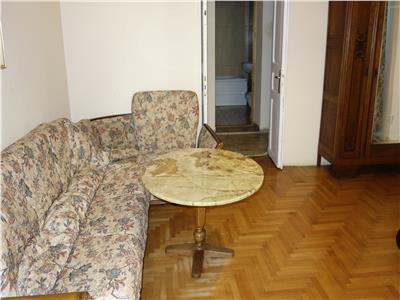 Centru la 1 minut de UMF apartament 2 camere