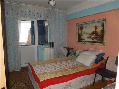 Apartament 3 camere decomandat Dacia