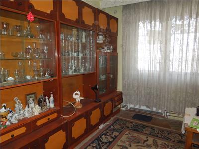 Apartament 3 camere Piata Nicolina  48000 EURO MOBILAT SI UTILAT