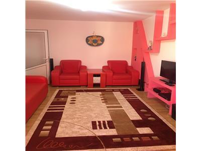 Apartament trei camere decomandat Dacia Piata 300 euro