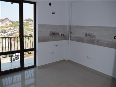 Apartament 3 camere decomandat 61mp + teren de 55mp