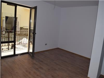 Apartament 3 camere decomandat 70mp - Mutare imediata