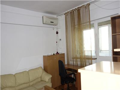 Centru Civic Hotel Moldova ap 3 camere decomandat