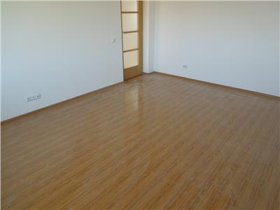 Apartament 3 camere 68mp