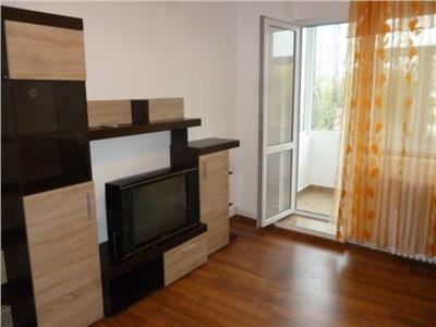 Apartament cu 3 camere in Podu Ros
