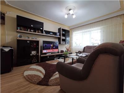 Apartament 4 camere etaj intermediar 75900 euro Galata