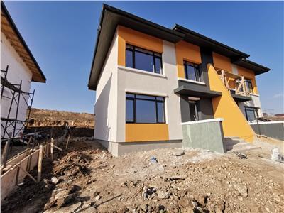 Vila duplex 4 camere 82500 euro Bucium - Visan