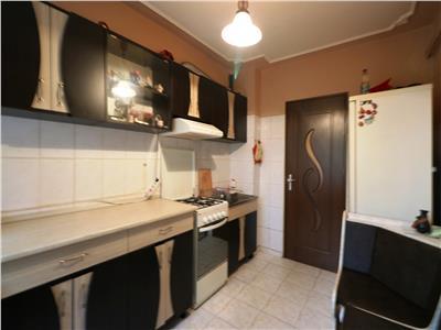 Apartament 2 camere decomandat Piata Dacia -Canta