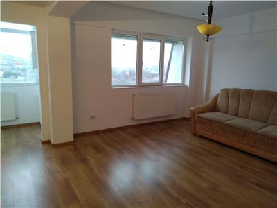 Apartament 3 camere, 83mp, parcare ,Bucium -liber